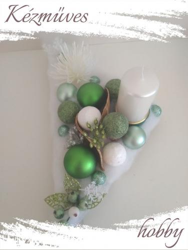 Quilling ajándék - Karácsonyi asztaldísz - Fehér-Zöld háromszög - Karácsonyi asztaldísz