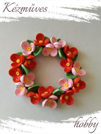 Quilling ajándék - Asztaldíszek - Piros-rózsaszín virágok - Quilling Asztaldísz