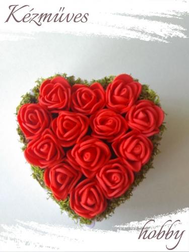 Quilling ajándék - Virágdoboz - Piros szív alakú rózsadoboz - Virágdoboz