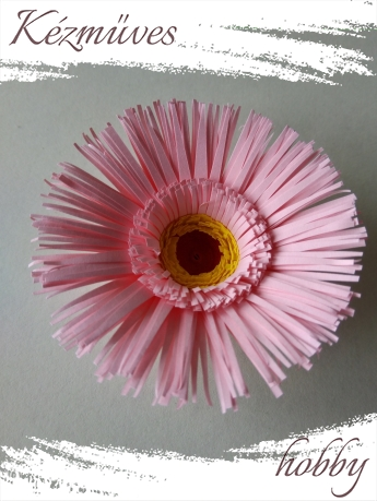 Quilling ajándék - Virágfejek - Rózsaszín Gerbera - virágfejek