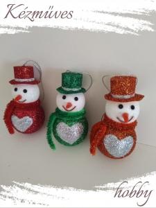 Quilling ajándék - Karácsonyfa dísz - Csillogó hóemberkék (lányok) - Karácsonyfa dísz