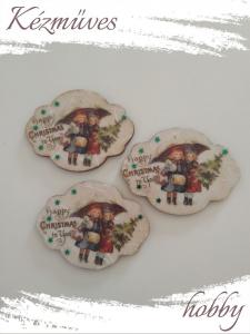Quilling ajándék - Karácsony, Tél - Hűtőmágnes - Lányok esernyővel - Karácsonyi hűtőmágnes