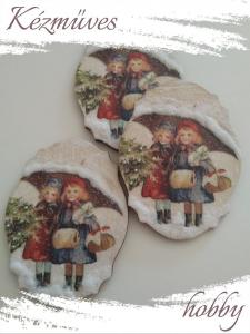 Quilling ajándék - Karácsony, Tél - Hűtőmágnes - Lányok esernyővel 2. - Karácsonyi hűtőmágnes