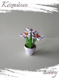 Quilling ajándék - Quilling termékek - Nárcisz kaspóban - Quilling Cserepes kisvirágok