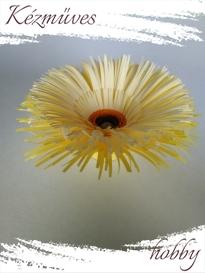 Quilling ajándék - Virágfejek - Sárga Gerbera (narancssárga közepű) - virágfejek